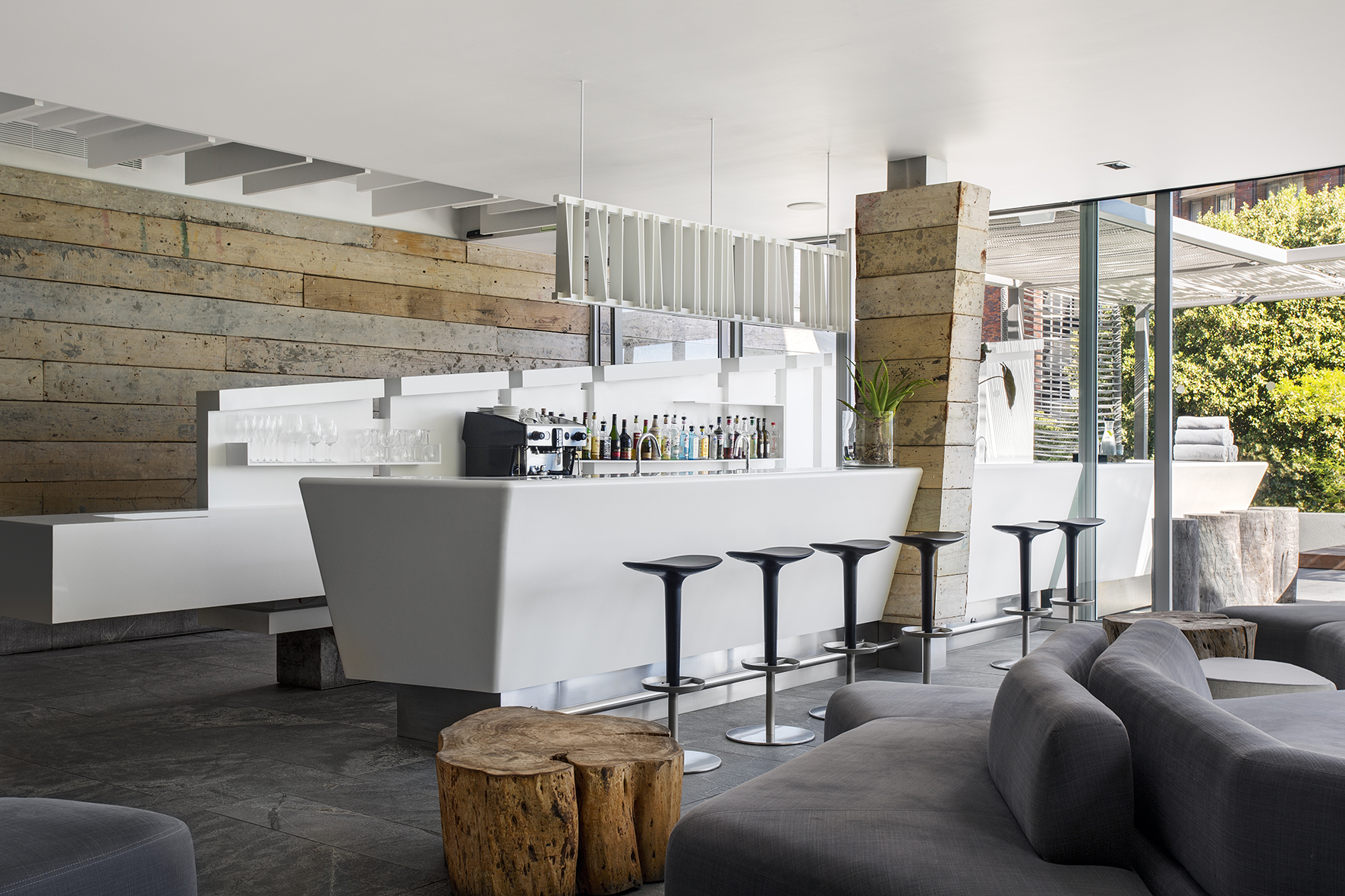Facilities pod boutique hotel camps bay for Boutique design hotels